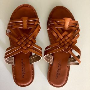 Size 7 American Eagle Sandals Never Worn